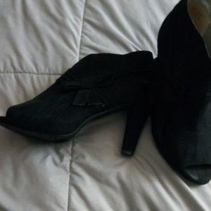 Black open toes heels